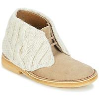 Schuhe Damen Boots Clarks DESERT BOOT Sand