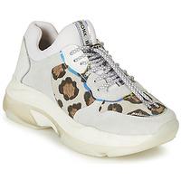 Schuhe Damen Sneaker Low Bronx BAISLEY Weiss / Leopard