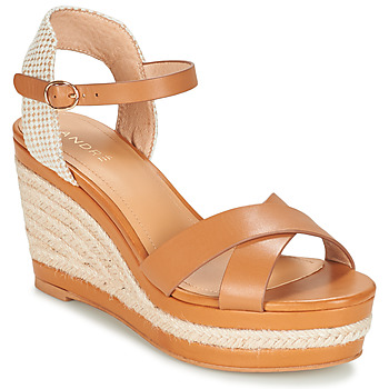 Schuhe Damen Sandalen / Sandaletten André SAND Camel