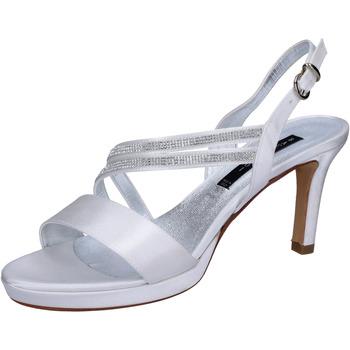 Schuhe Damen Sandalen / Sandaletten Bacta De Toi sandalen weiß satin strass BT845 weiß