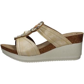 Schuhe Damen Sandalen / Sandaletten Inblu EN 12 SAND