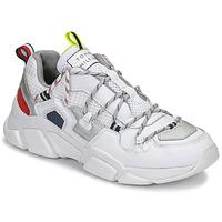 Schuhe Damen Sneaker Low Tommy Hilfiger CITY VOYAGER CHUNKY SNEAKER Weiss
