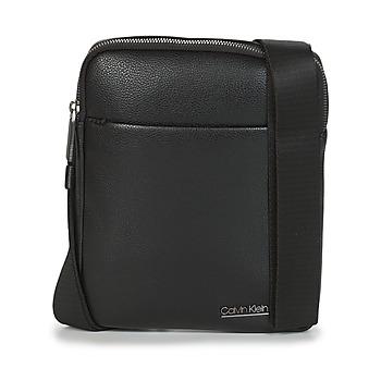 Taschen Herren Geldtasche / Handtasche Calvin Klein Jeans CK BOMBE' FLAT CROSSOVER Schwarz