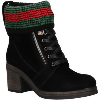 Schuhe Damen Low Boots Chika 10 IZAL 05 Negro