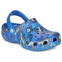 Schuhe Jungen Pantoletten / Clogs Crocs CLASSIC SHARK CLOG Blau