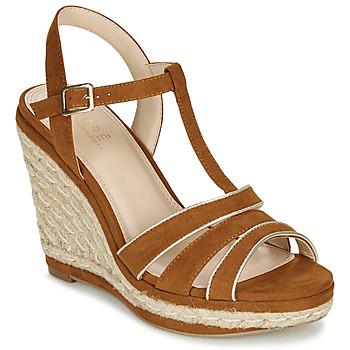 Schuhe Damen Sandalen / Sandaletten André JULY Camel