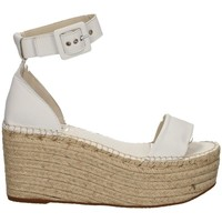 Schuhe Damen Sandalen / Sandaletten Vidorreta 39200 WEISS