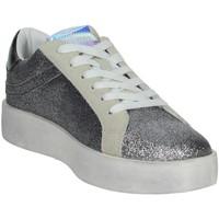 Schuhe Damen Sneaker Low Shop Art SA0300 Silber
