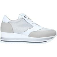 Schuhe Damen Sneaker Low Comart 1A3468 Silber