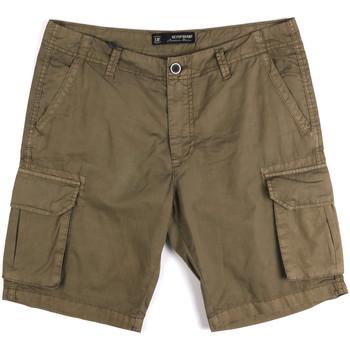 Kleidung Herren Shorts / Bermudas Key Up 2P16A 0001 Grün