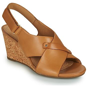 Schuhe Damen Sandalen / Sandaletten Clarks MARGEE EVE Beige