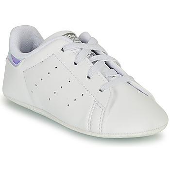 Schuhe Mädchen Sneaker Low adidas Originals STAN SMITH CRIB SUSTAINABLE Weiss / Silbern