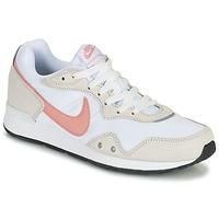 Schuhe Damen Sneaker Low Nike NIKE VENTURE RUNNER Weiss / Rose