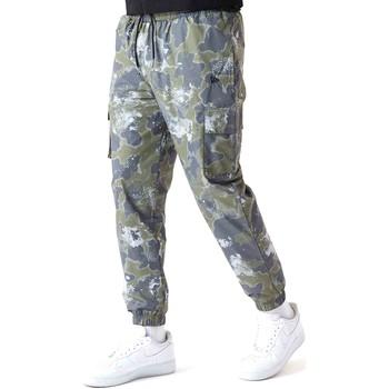 Kleidung Herren Hosen New-Era 12590879 Grün