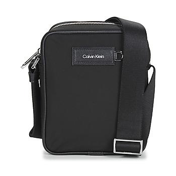 Taschen Herren Geldtasche / Handtasche Calvin Klein Jeans URBAN UTILITY REPORTER S Schwarz