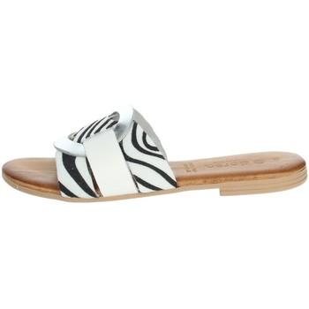 Schuhe Damen Pantoffel Dorea MH105 Weiss