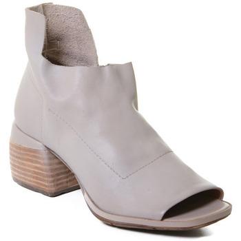 Schuhe Damen Sandalen / Sandaletten Rebecca White T0402  Rebecca White  D??msk?? kotn??kov?? boty z telec?? k??e v barv?