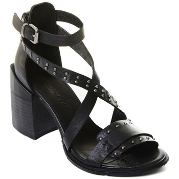 Schuhe Damen Pumps Rebecca White T0501  Rebecca White  D??msk?? sand??ly na vysok??m podpatku z ?ern??