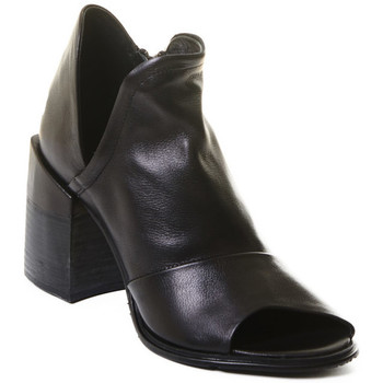 Schuhe Damen Low Boots Rebecca White T0504  Rebecca White  D??msk?? kotn??kov?? boty z ?ern?? telec?? k??e,