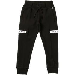 Kleidung Jungen Jogginghosen Calvin Klein Jeans IB0IB00919 Schwarz