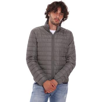 Kleidung Herren Daunenjacken Invicta 4431759/U Grün
