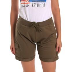 Kleidung Damen Shorts / Bermudas Key Up 5G75F 0001 Grün