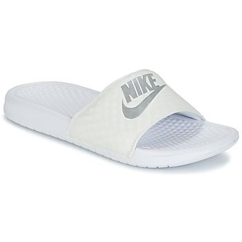 Schuhe Damen Pantoletten Nike BENASSI JUST DO IT W Weiss / Silbern