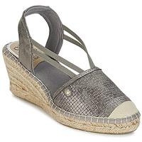 Schuhe Damen Sandalen / Sandaletten Mustang LIMBERT Silbern
