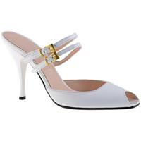 Schuhe Damen Pantoletten / Clogs Charlize Italia 2SchnallenT.90sabot Weiss