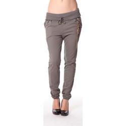 Kleidung Damen Jogginghosen Rich & Royal Rich&Royal Pantalon City sweet kaki 13q915/477 Grün