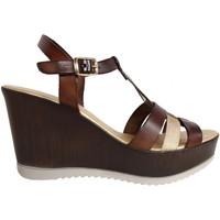Schuhe Damen Sandalen / Sandaletten Cumbia 30132 Marrón
