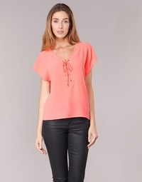 Kleidung Damen Tops / Blusen Betty London GREM Korallenrot