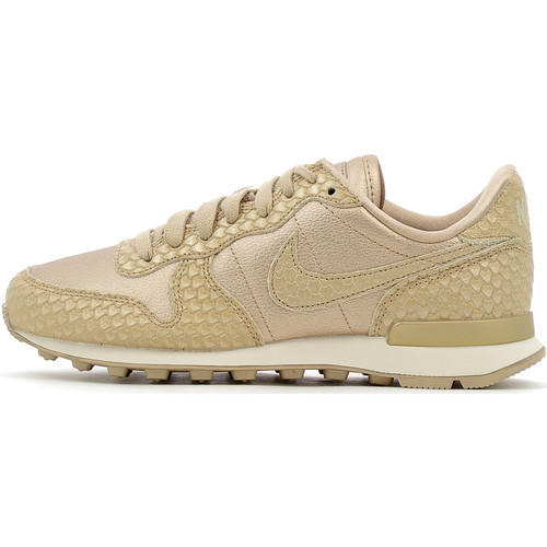 nike internationalist camel