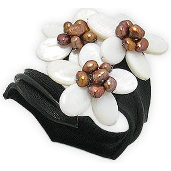 Uhren Damen Armbänder Blue Pearls Schwarzes Lederbandarmband mit drei Blüten aus weißem Perlmutt u Multicolor