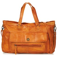 Taschen Damen Umhängetaschen Pieces TOTALLY ROYAL LEATHER TRAVEL BAG Cognac
