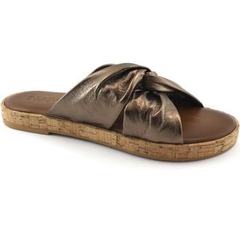 Schuhe Damen Pantoffel Inuovo 8254 Bronze laminiert Ciabatta Frau Knoten Leder Kork Marrone