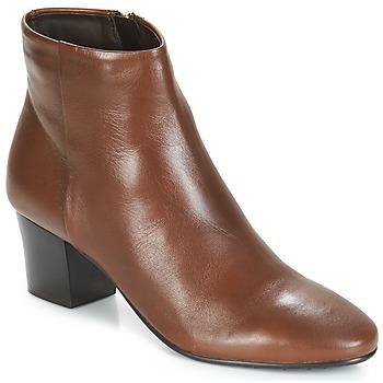 Schuhe Damen Low Boots André FAME Braun