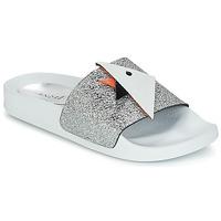 Schuhe Damen Sandalen / Sandaletten André SWIMMING Silbern