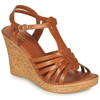 Schuhe Damen Sandalen / Sandaletten André FABULEUSE Camel