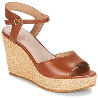 Schuhe Damen Sandalen / Sandaletten André BUNGALOW Cognac